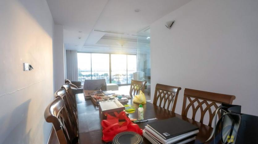 funished-3-bedroom-apartment-to-rent-truc-bach-with-lake-view-5