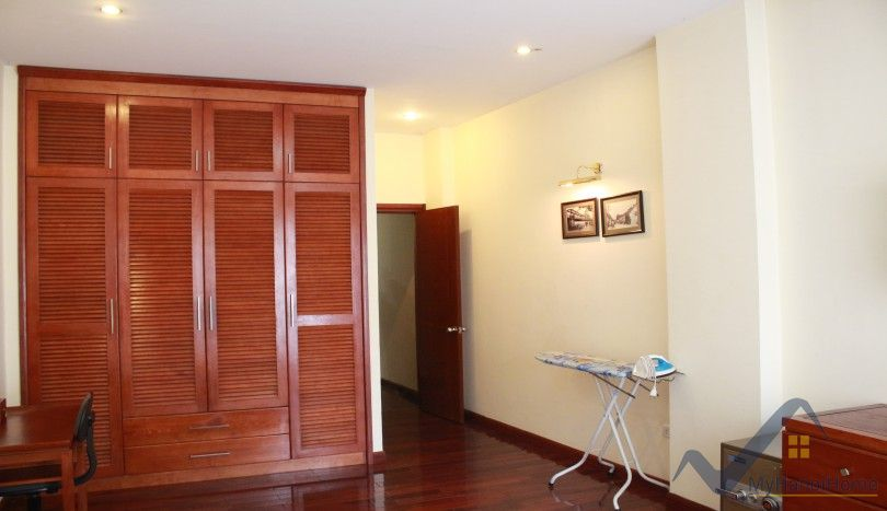 Furnished 01 bedroom apartment for rent in Truc Bach Hanoi