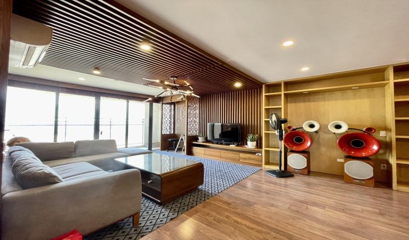 Furnished 03 bedrooms 03 bathrooms in Mipec Riverside apartment