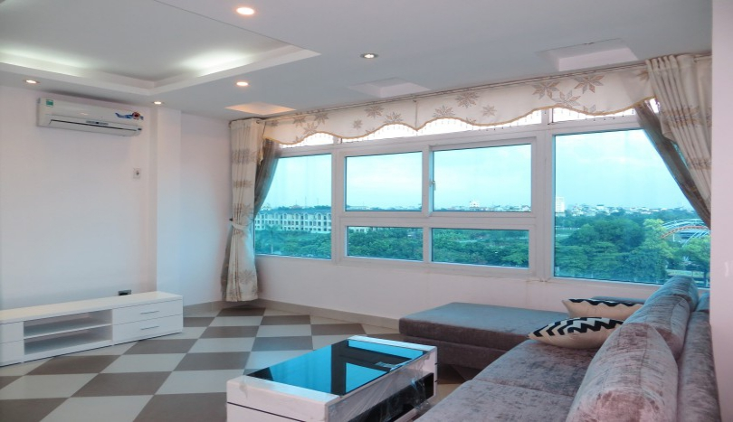 Furnished 2 bedroom apartment in Tay Ho Water Park view