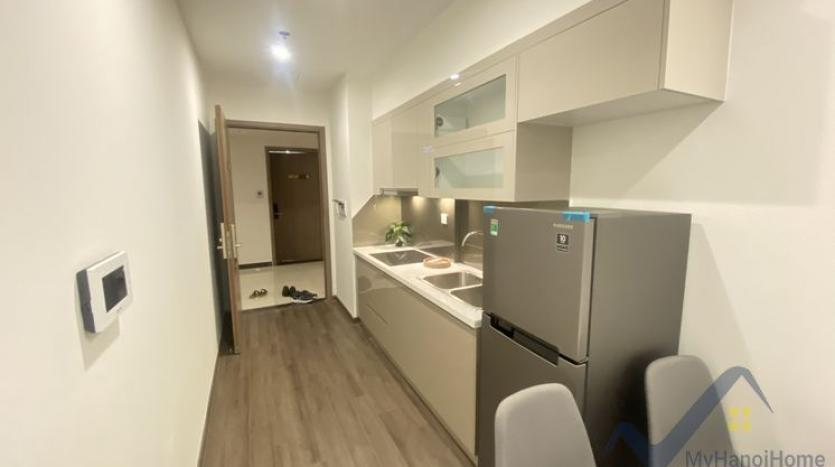 furnished-2bed-1bath-apartment-in-vinhomes-symphony-to-rent-3