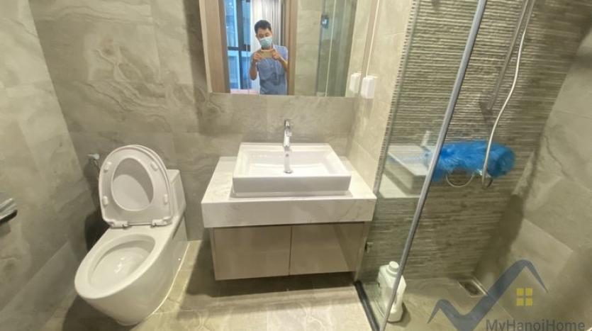 furnished-2bed-1bath-apartment-in-vinhomes-symphony-to-rent-4