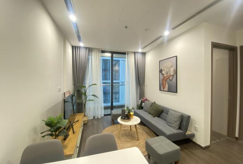 Furnished 2bed 1bath apartment in Vinhomes Symphony to rent