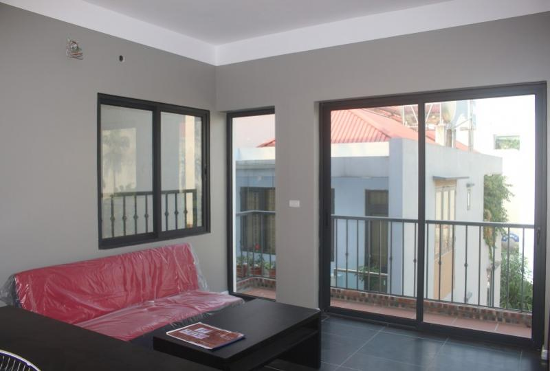 Furnished 2br apartment in Long Bien district on Ngoc Thuy street