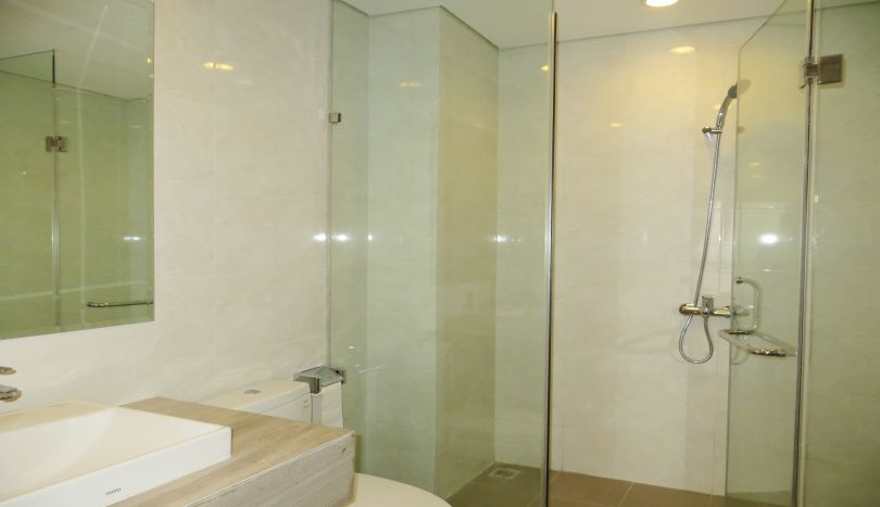 Furnished 3 bedroom apartment to rent in Mipec Riverside high floor