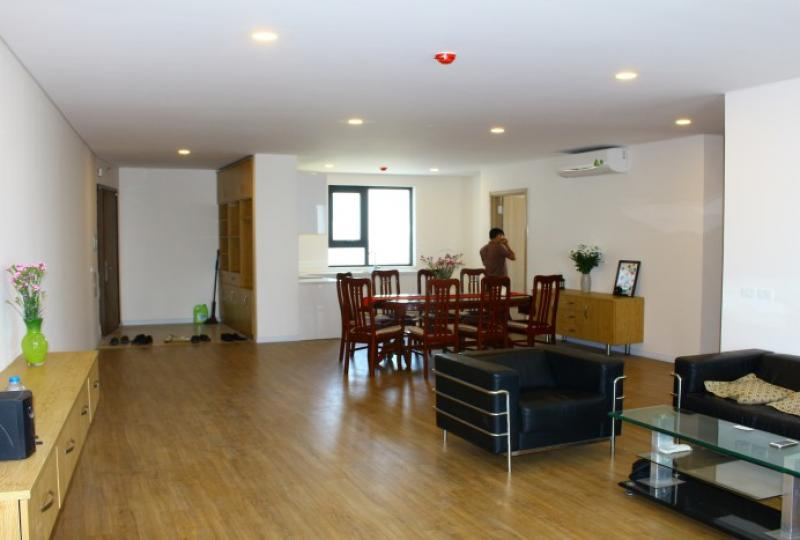 Furnished 3 bedrooms 2 bathrooms apartment for rent in Mipec Riverside