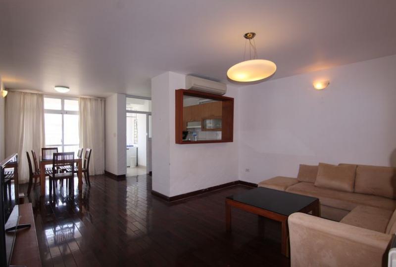 Cho thuê căn hộ 713 Lạc Long Quân, Tây Hồ, 3 phòng ngủ full