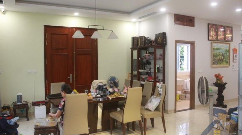 furnished-4-bedroom-villa-in-vinhomes-riverside-hanoi-rent-close-bis-10