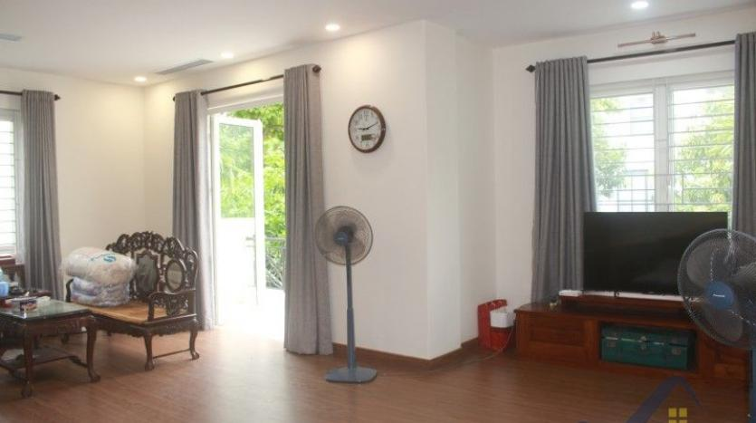 furnished-4-bedroom-villa-in-vinhomes-riverside-hanoi-rent-close-bis-17