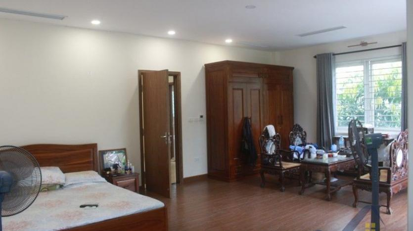 furnished-4-bedroom-villa-in-vinhomes-riverside-hanoi-rent-close-bis-18