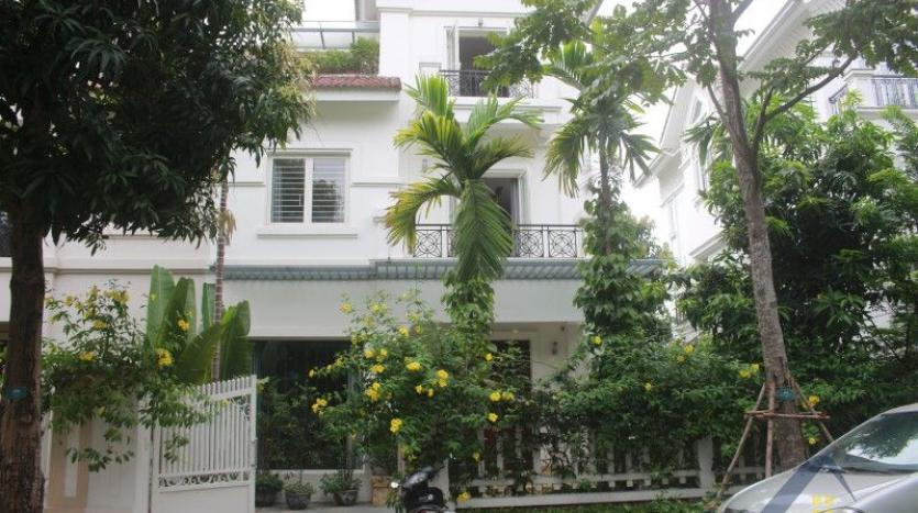 furnished-4-bedroom-villa-in-vinhomes-riverside-hanoi-rent-close-bis-27
