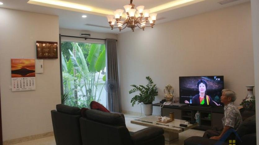 furnished-4-bedroom-villa-in-vinhomes-riverside-hanoi-rent-close-bis-6