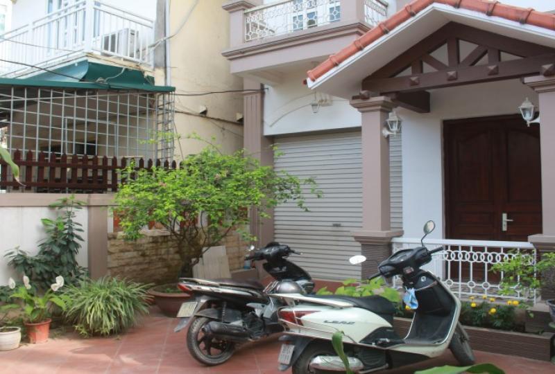 Furnished and garden Long Bien house rental 4 bedrooms