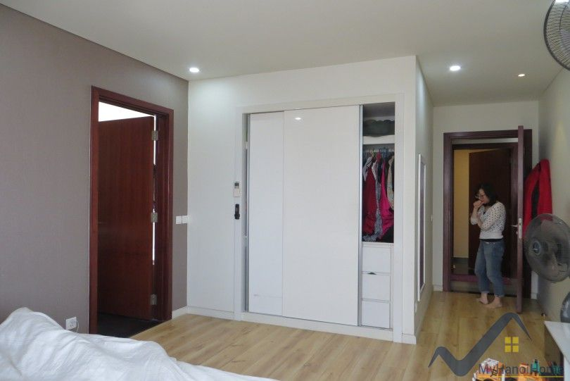 Furnished apartment for rent in Watermark Hanoi with 2BR