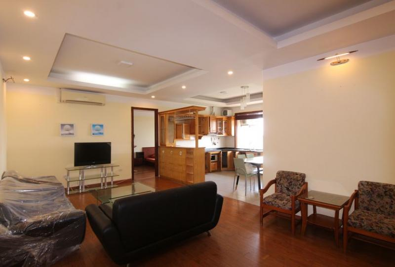 Furnished apartment for rent Lac Long Quan street, Tay Ho, 3 bedrooms