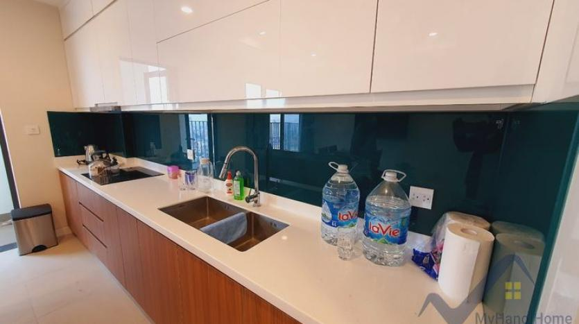 furnished-apartment-in-kosmo-tay-ho-to-rent-03-bedrooms-2