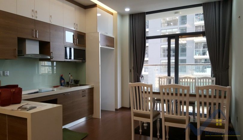 Furnished apartment in Trang An Complex Cau Giay 102m2