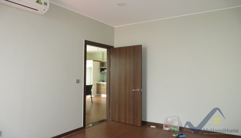 Furnished apartment in Trang An Complex to let with 02 bedrooms