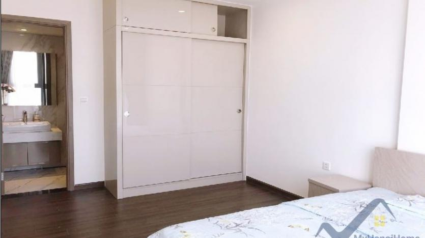 furnished-apartment-in-vinhomes-symphony-for-rent-3-bedrooms-10