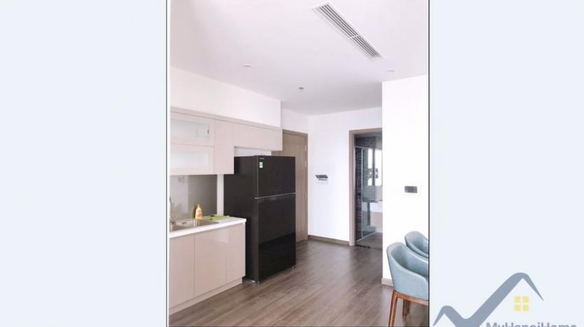 furnished-apartment-in-vinhomes-symphony-for-rent-3-bedrooms-6