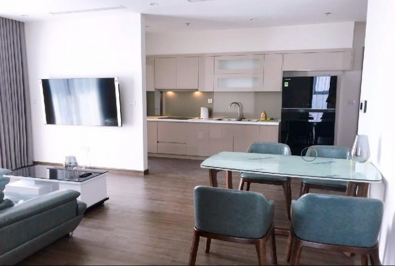 Furnished apartment in Vinhomes Symphony for rent 3 bedrooms