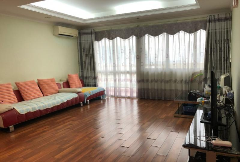 Furnished Ciputra apartment with 3 bedrooms at E tower