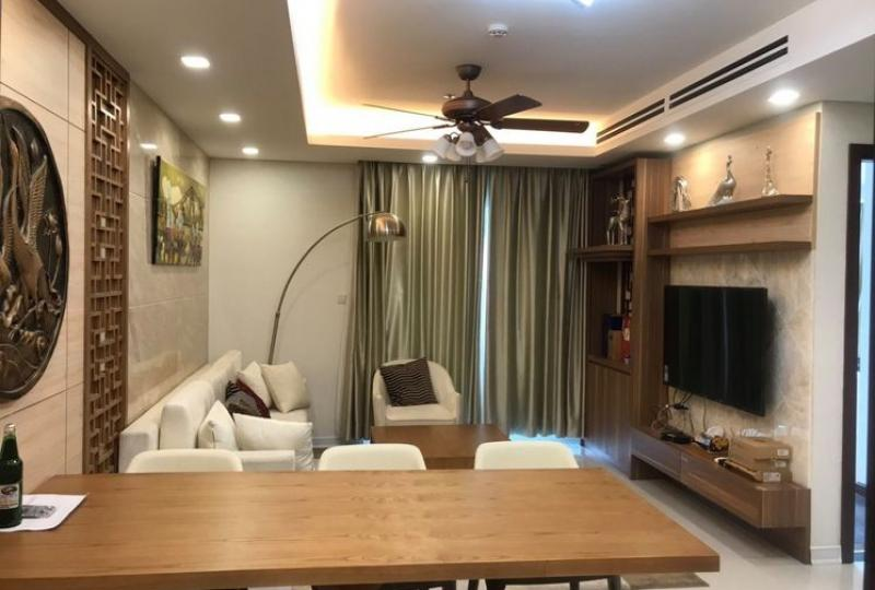 Furnished Hanoi Aqua Central apartment to rent 3 bedrooms