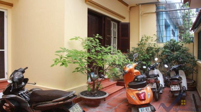 furnished-house-in-long-bien-district-for-rent-with-3-bedrooms-15