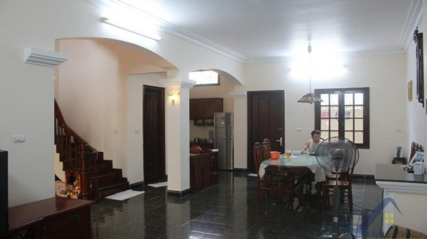 furnished-house-in-long-bien-district-for-rent-with-3-bedrooms-18