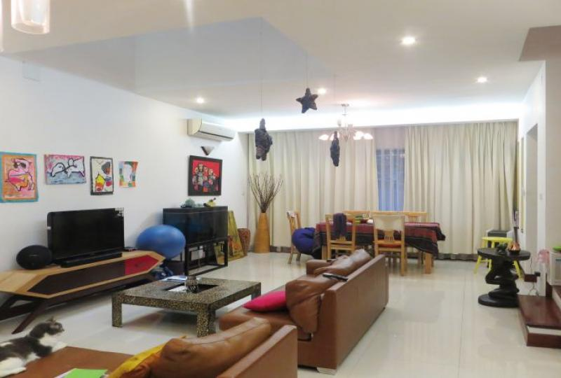Furnished house in Tay Ho, 4 bedrooms close Xuan Dieu street