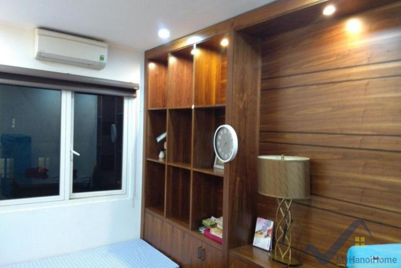 Furnished House in Vinhomes Riverside to lease close to BIS