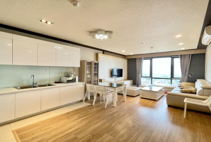 Furnished Mipec Riverside apartment rent in Long Bien 3 beds