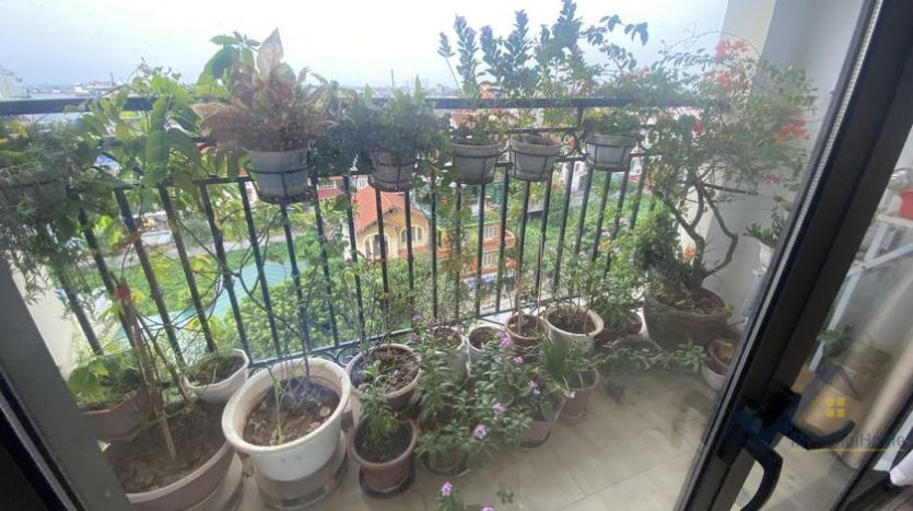 furnished-one-bedroom-apartment-d-le-roi-soleil-tay-ho-for-rent-5