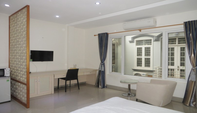 Furnished studio apartment in Cau Giay for rent, near Big C