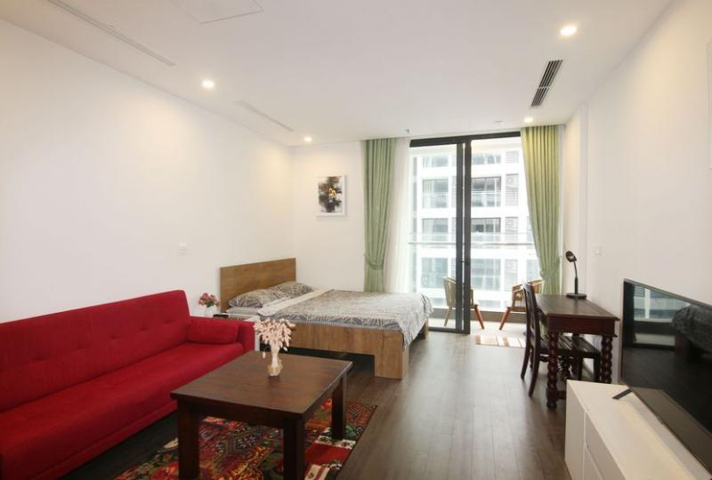 Furnished studio apartment in Vinhomes Symphony with great view