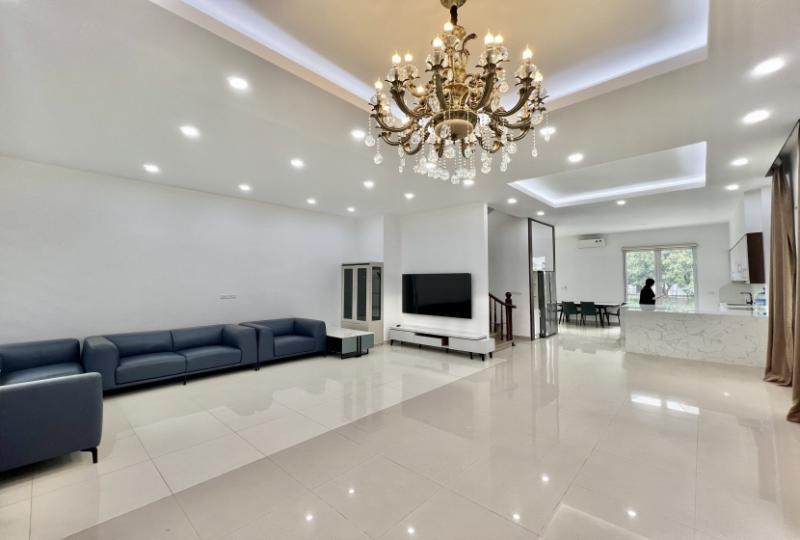 Furnished villa for rent in Hoa Sua Vinhome Riverside near BIS