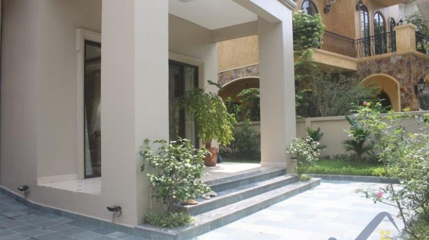 garden-detached-villa-in-vinhomes-riverside-hanoi-close-to-almaz-29