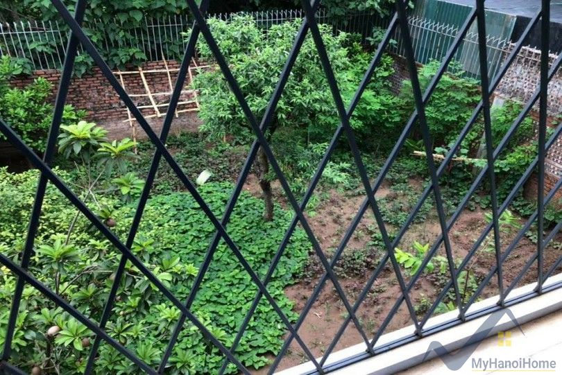 Garden villa for rent in Tay Ho on Dang Thai Mai street with pool