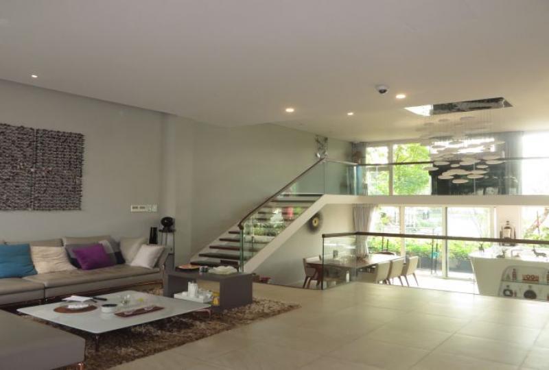 Garden villa for rent Vinhomes Riverside, 3 bedrooms with en-suites