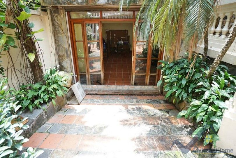 Garden villa in Tay Ho Westlake on To Ngoc Van street 5BR