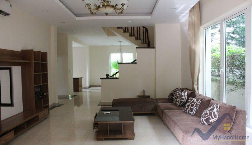 Garden villa in Vinhomes Riverside Long Bien rental 4 bedrooms