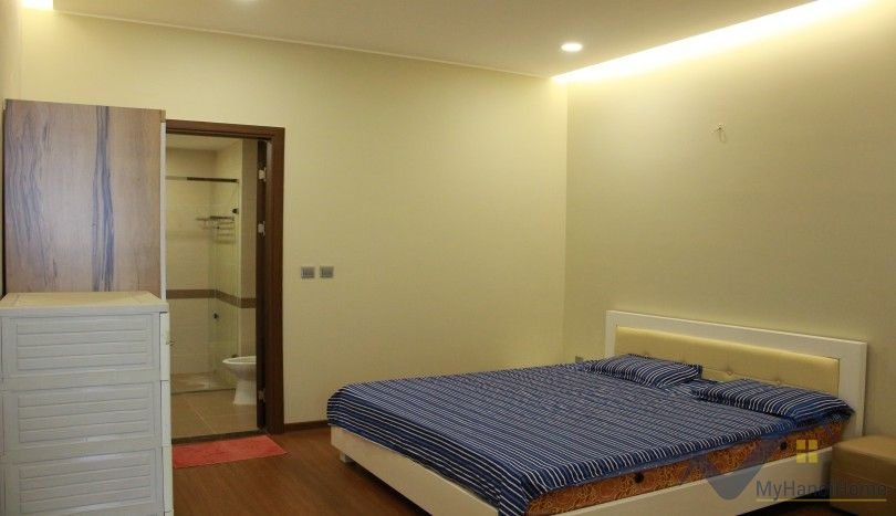 High end apartment in Trang An Complex with modern furniture, 95m2