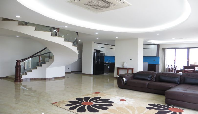 High floor duplex apartment for rent in Tay Ho 4 beds