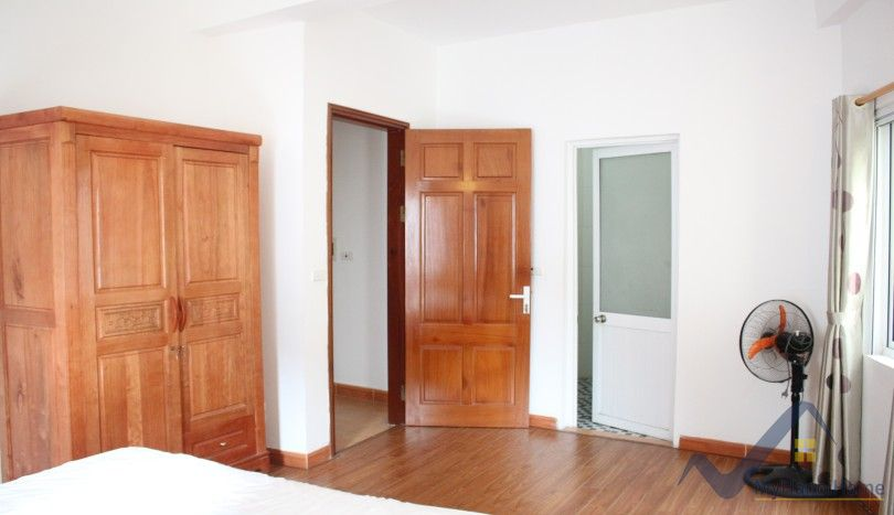 House in Nghi Tam village Sheraton nearby for rent 4 bedrooms