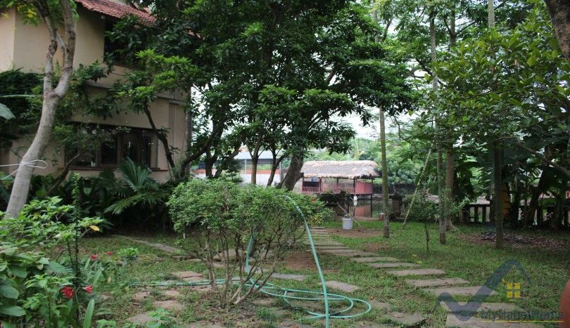 House in Ngoc Thuy street, Long Bien for rent, swimming pool