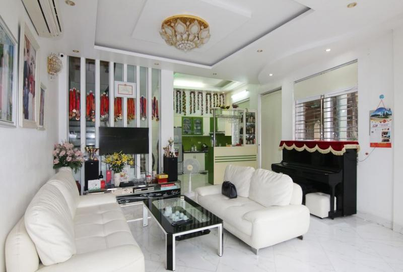 House Long Bien Hanoi rent 5 bedrooms near Wellspring school
