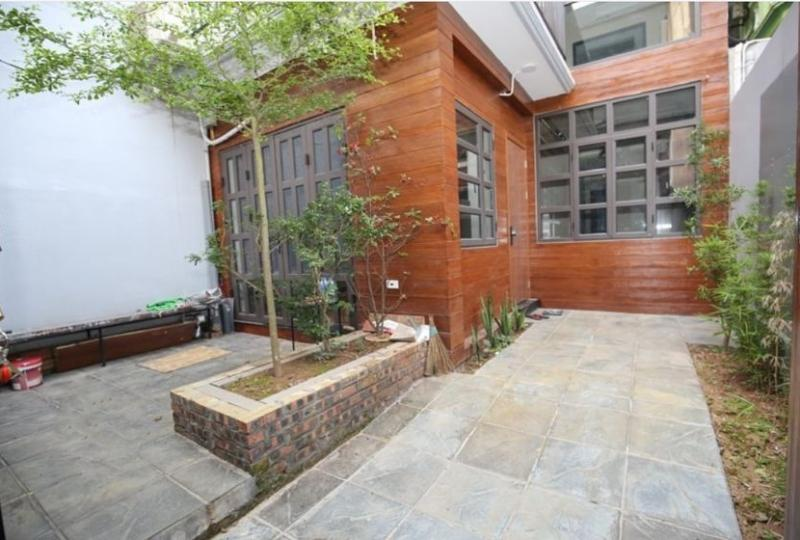 House to rent in Tay Ho, Lac Long Quan, 6 bedrooms