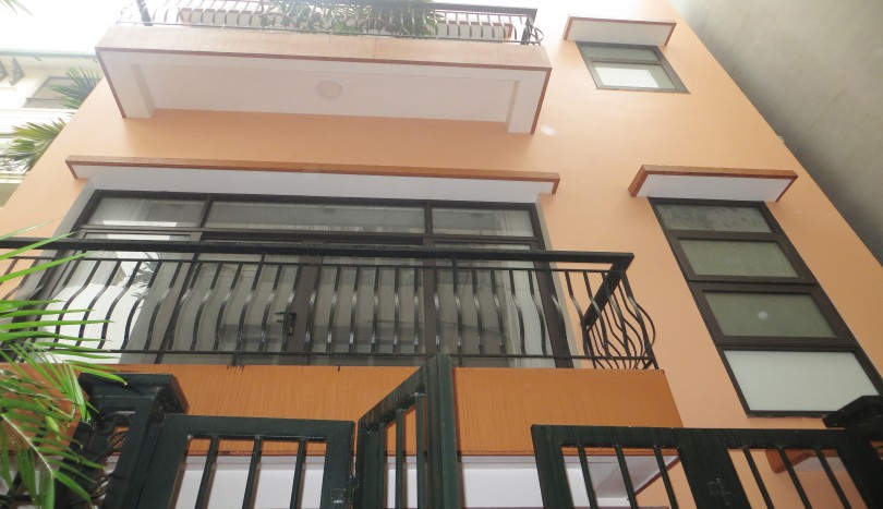 Houses in Tay Ho for rent with 4 bedrooms, 4 floors