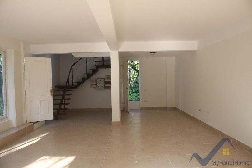 Huge garden and swimming pool house for rent in Long Bien