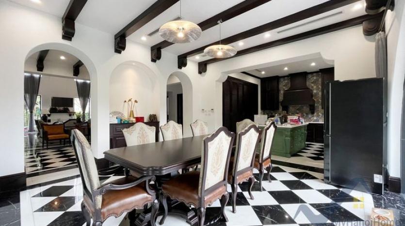 huge-garden-detached-villa-rent-in-vinhomes-riverside-hanoi-21